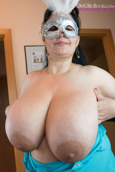 wet pussy pics on beatch