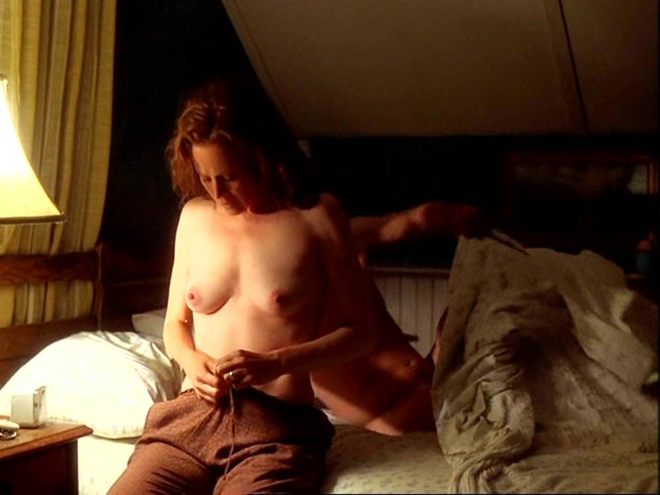 sigourney weaver tits in movies